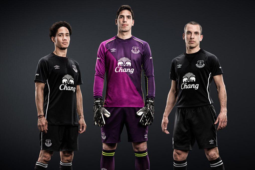 New-Everton-Away-Kit.jpg